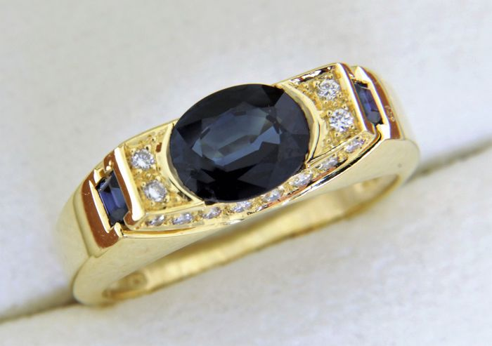 """Modern"" 18 kt GOLD jewellery ring with Sapphires - Diamonds"