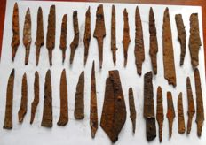 Selection of 30 Iron knives, Viking period, Early Medieval (9-12 century) 58-121 mm (30)