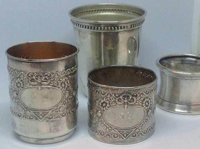 Two sets of glass and napkin ring, 1940s.