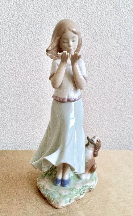 Lladro - Porseleinen beeld - Whispering Breeze