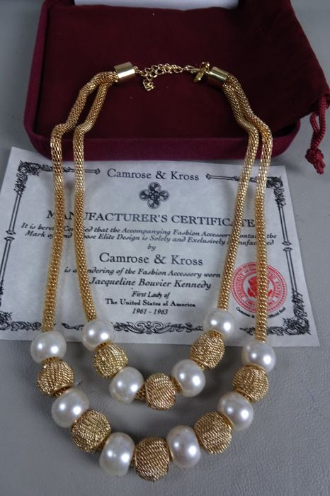 CAMROSE & KROSS - JACKIE KENNEDY - gold plated necklace with faux pearls in Box & Certificate of Authenticity - 40 / 45 cm