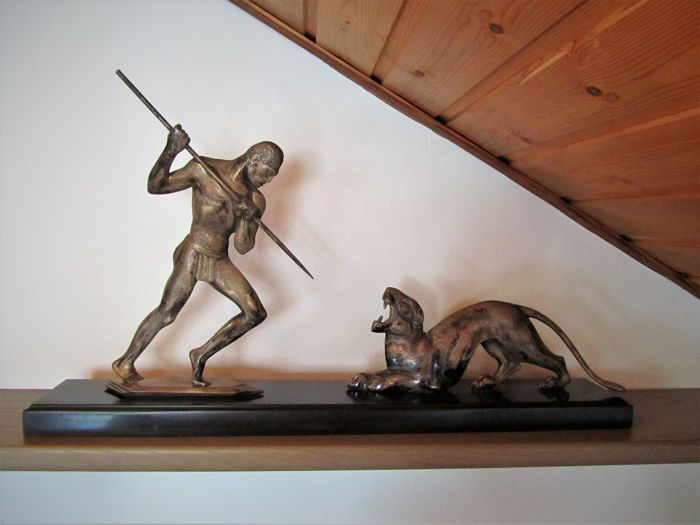 P. Berjean (attributed) - panther hunt - Art Deco sculpture