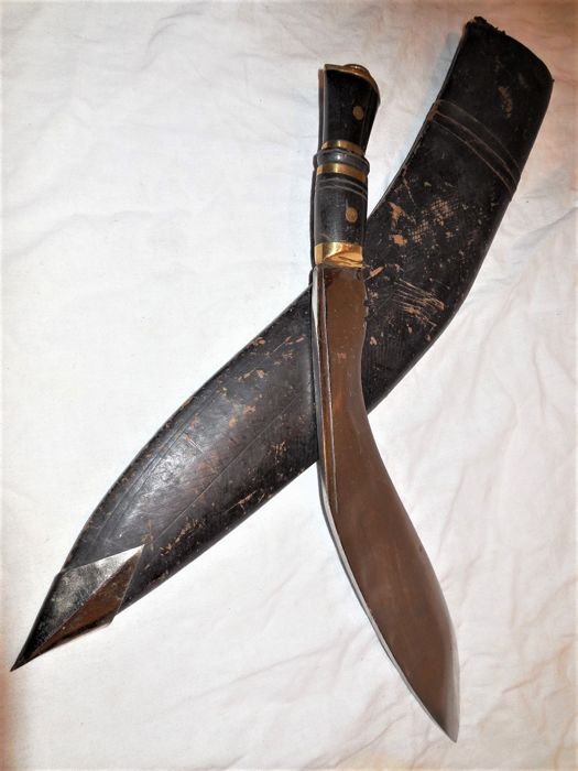 Old large and solid Nepal / Kukhri / Gurkha dagger with decorated blade and sheath