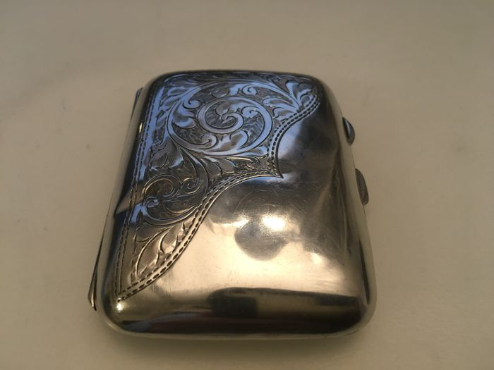 Vintage silver gilded curved ed back engraved cigarette case - M H Meyer Ltd -Birmingham - 1920