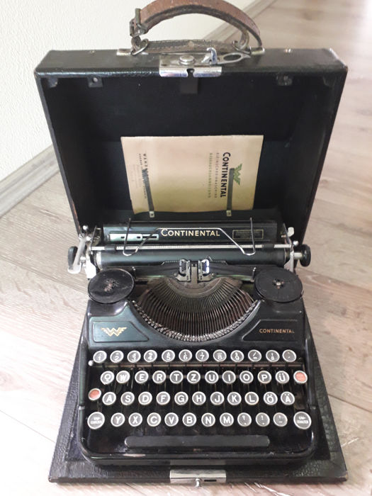 Portable Continental Wanderer 50 typewriter from the 1930s