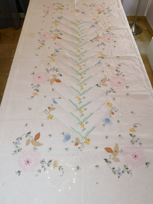 Elegant pure silk organza and linen tablecloth for 12, Sicily 1950s-60s