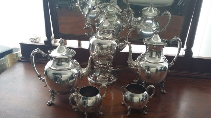 Spirit kettle,teapot,coffeepot 5 pieces set silver plated made in usa.
