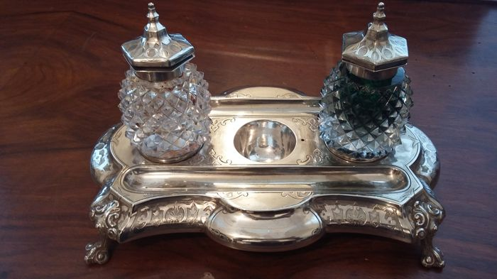 Martin Hall and Co 1850-1899 Antique Silver Plated Double Ink Stand made in england.