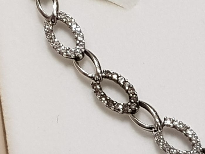 18 kt white gold bracelet with 1.70 ct diamonds