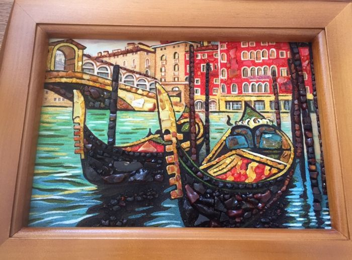 Two gondolas at Rialto Bridge in Venice - amber painting - framed in oak - Italy - 2018