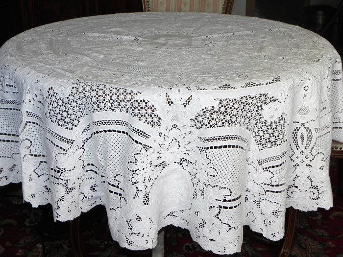 Large round festive tablecloth Richelieu embroidery - handwork - diameter 185 cm