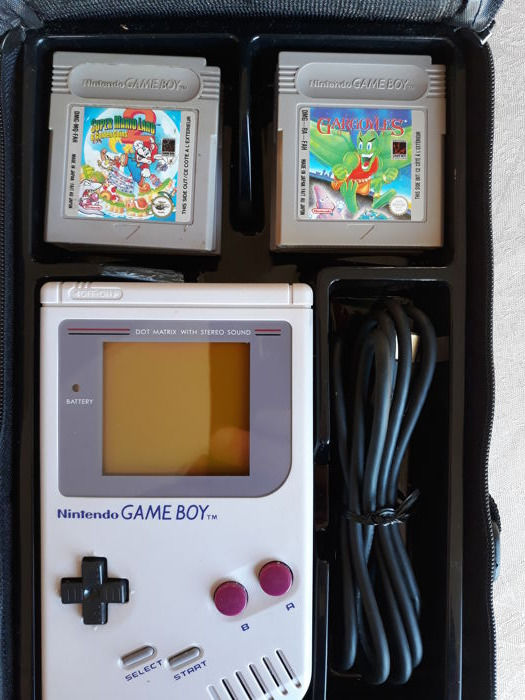 Nintendo Game Boy Classic set including  6 games and link cable