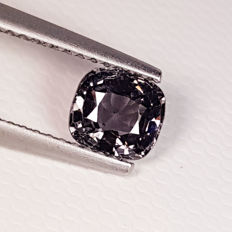 Grey Spinel - 0.99 ct