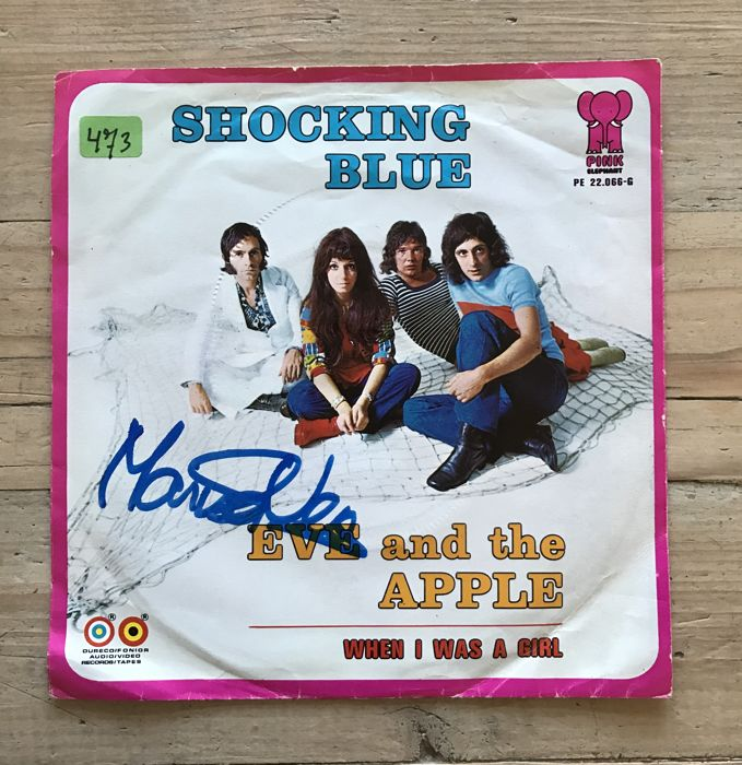 """Shocking Blue signed single - """"Eve and the apple"""" Signed by Mariska Veres"""
