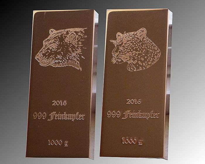 Copper Bars, 2 x 1000 g Polar Bear and Leopard - 999/1000 Fine Copper - COA - Germany