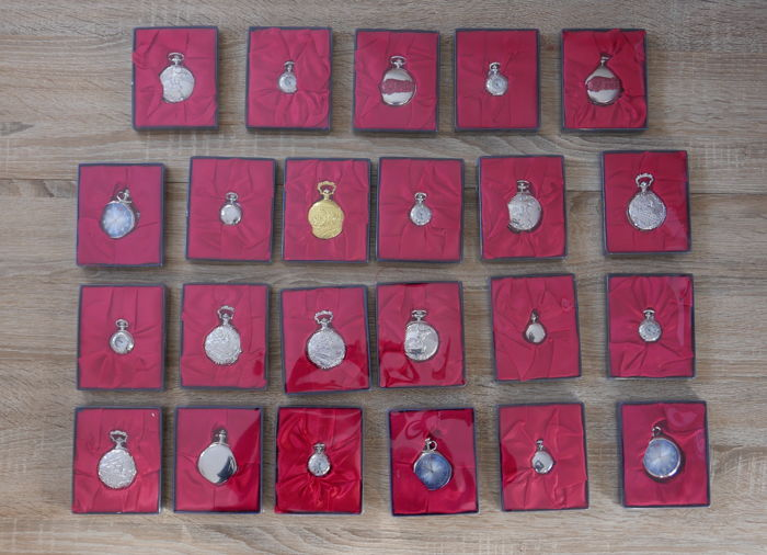 Lot of 23 pocket watch collection