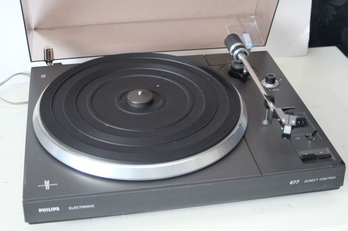 Philips 677 HiFi direct control platenspeler