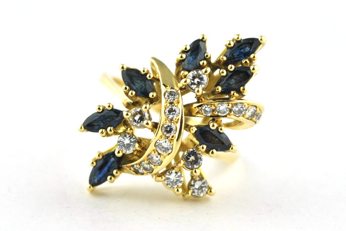 "Exclusive ""Flower Bouquet"" Ring with Diamonds (tot. +/-0.75ct FG/VVS-VS) & Marquise cut Sapphires (tot. +/-1.40CT) set on 18k Yellow Gold - E.U Size 55*Re-sizable"