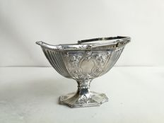 Victorian style silver plated basket with handle
