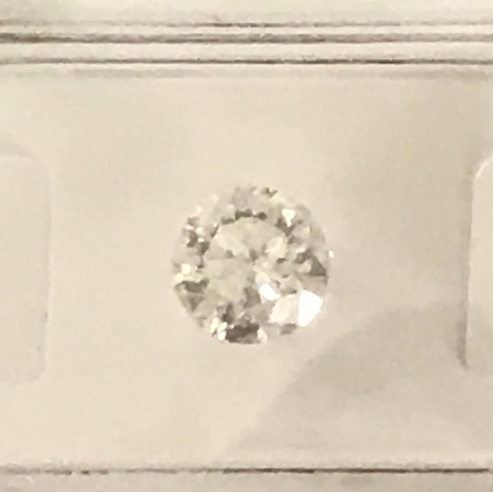 1.00ct Round brilliant -cut diamond  natural F Si3