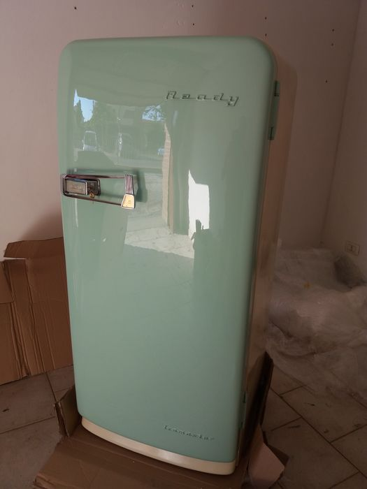 1950s curved fridge, Vintage Ready series