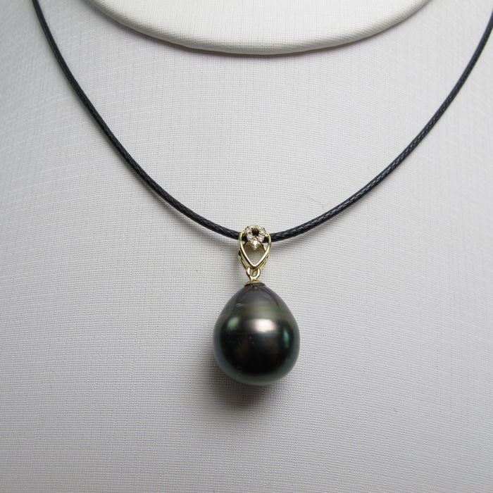 Tahiti black pearl diamond 18k gold pendant pearl diameter 13 tahiti black pearl diamond 18k gold pendant pearl diameter 13 mm aloadofball Gallery