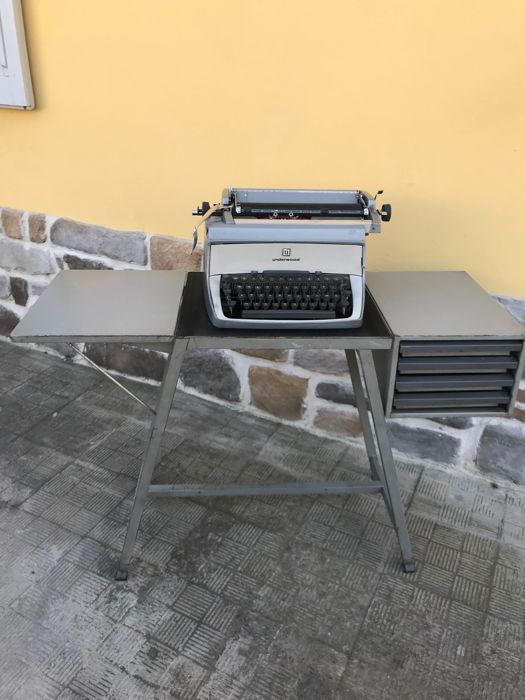 Industrial design desk - complete with Underwood Touch typewriter - model: Master II - 1950s/60s
