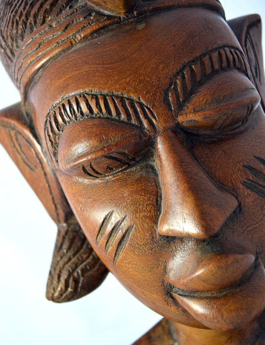 Giant warrior head in hand-carved wood, single piece - Nigeria, from the village of Nok - WEIGHT 7 kg