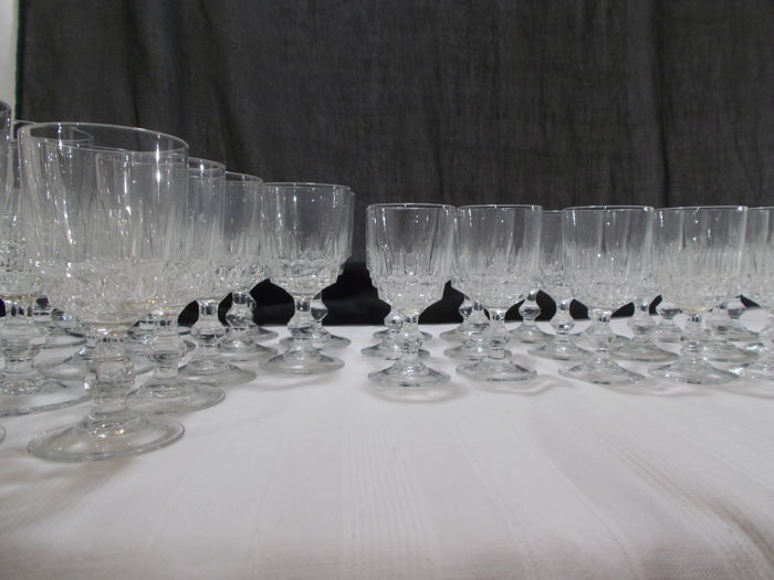Vintage Cristal D'Arques - 47 footed glasses in crystal