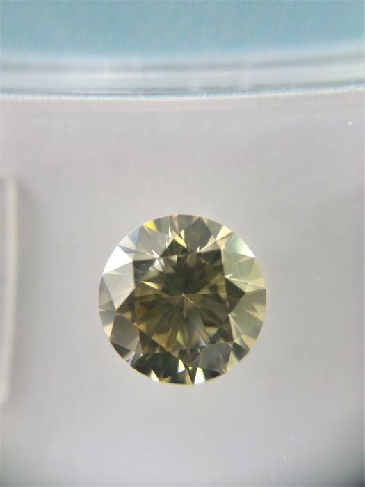 1,07 ct natural fancy yellowish brown brilliant SI1