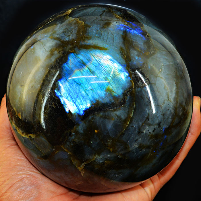 "Top Flash Labradorite ""healing ball"" - 108 mm - 1889 gm"