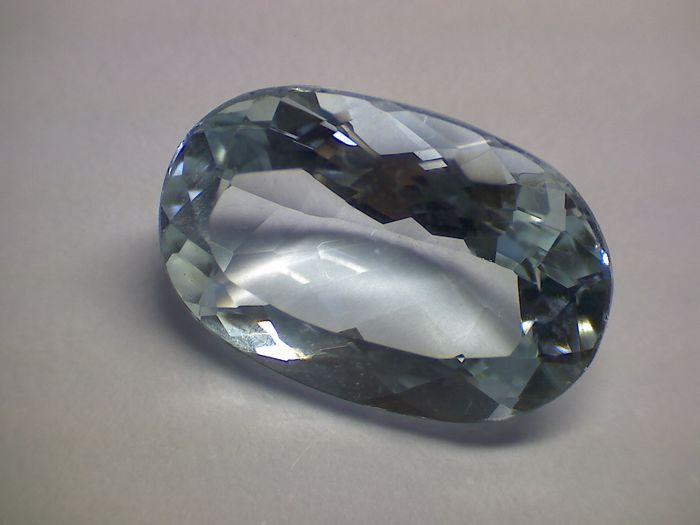 Aquamarine - Blue - 2.90 ct