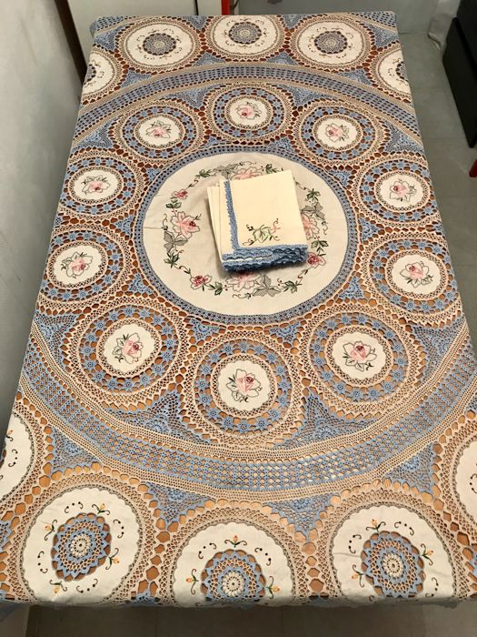 Antique pure cotton lace round tablecloth with inlay and embroidery + 8 napkins