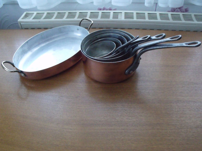 Tin-plated pans and oven dish