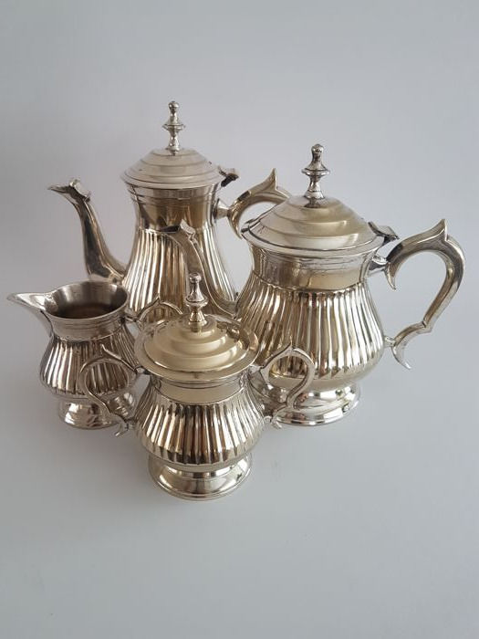 Very beautifully designed coffee and tea set- silver plated - 4 pieces