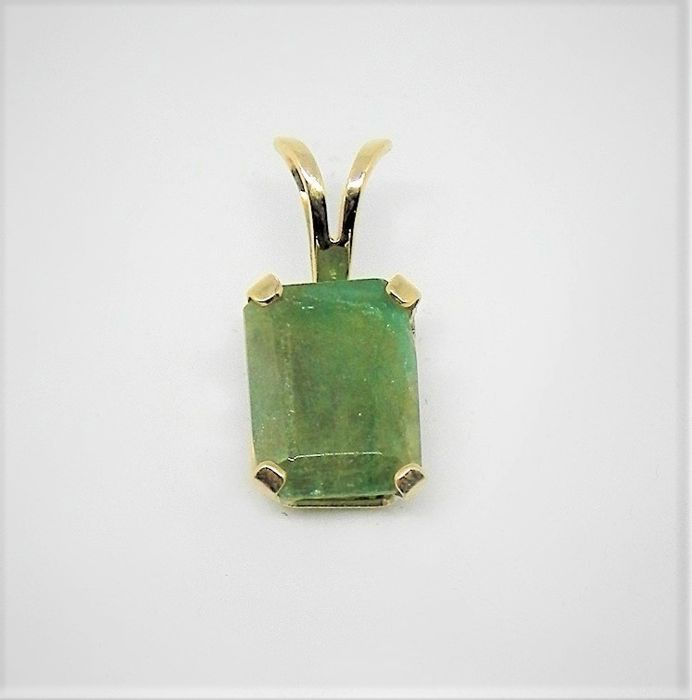 Green Jade Jadeite  Pendant made by 14KT Jellow Gold - Measuring 6 x 12 mm