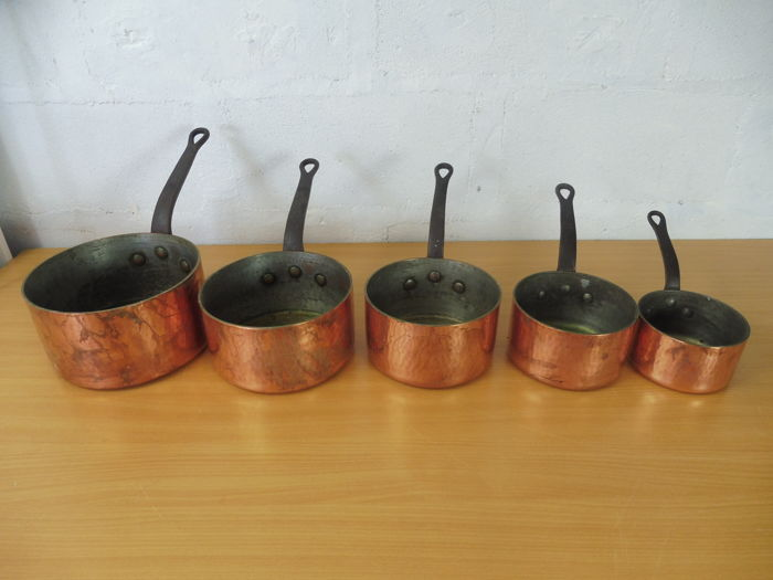 Set of 5 tin-plated copper pans