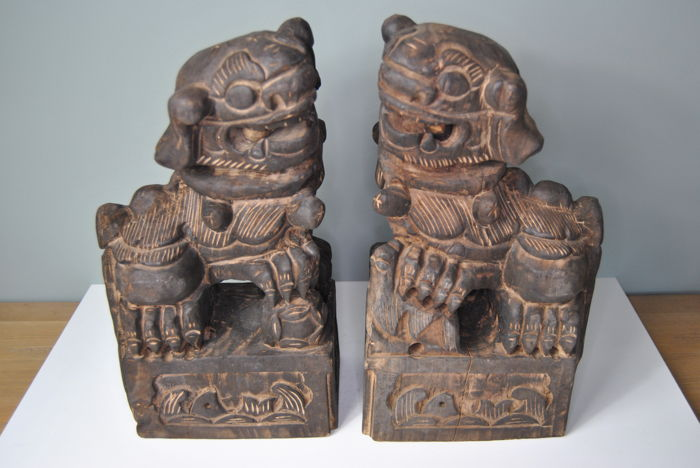Wooden guardian lions - China - late-20th century