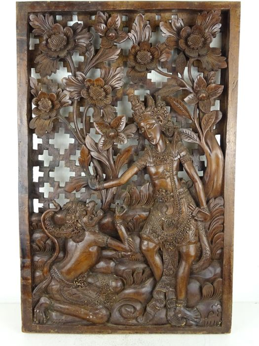 Carved wooden panel depicting Rama and Hanuman - Indonesia - second half of the 20th century (59cm)