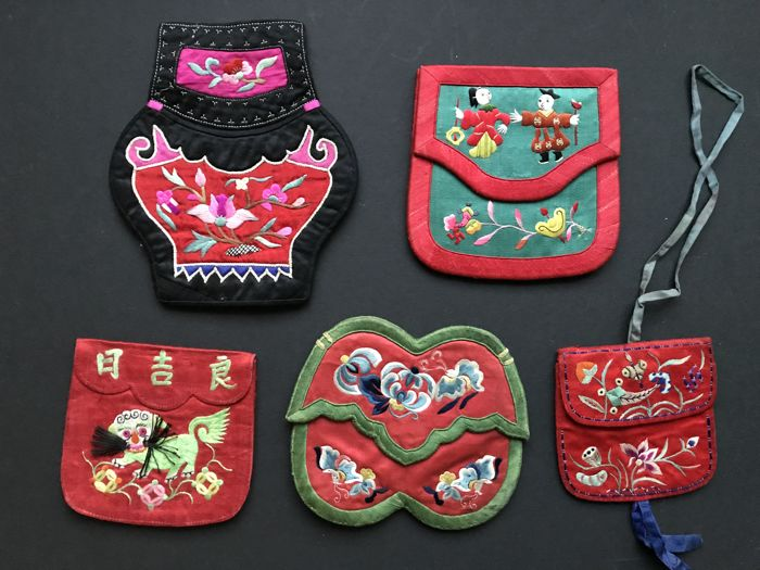 5 Embroidered Silk Purses - China - 19th Century/early 20th Century