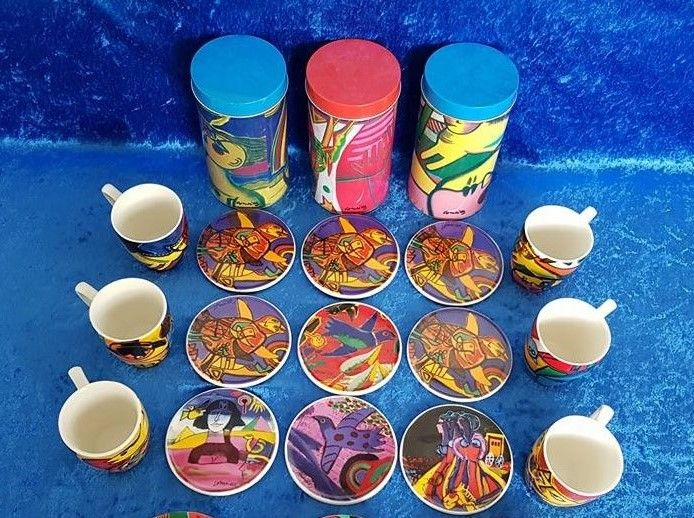 Corneille - 20 items: 9 coasters, 6 cups, 2 bowls and 3 cans