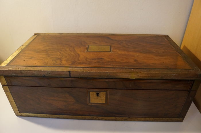 Large Victorian rosewood writing box, secret drawers - England - circa 1870