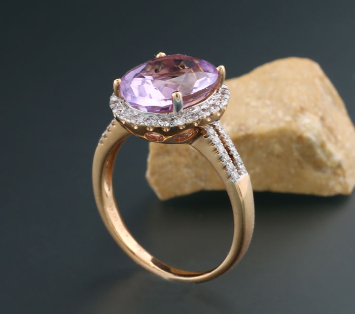 Amethyst-brilliant-ring, fine lilac colour, totalling 4.75 ct, 750-rose gold ----no reserve!-----