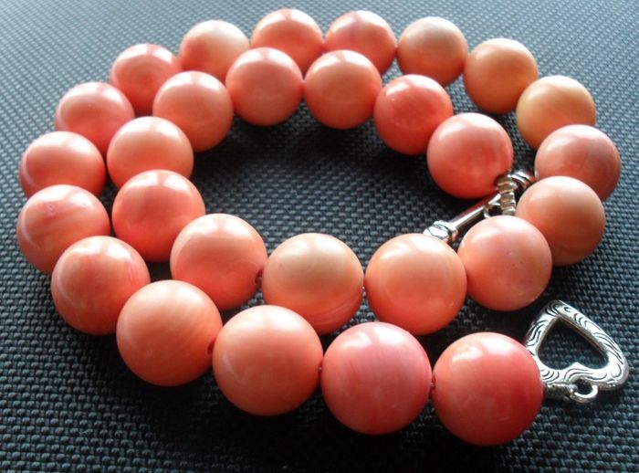 Salmon coloured fine corals necklace - vintage 60s - 120 g
