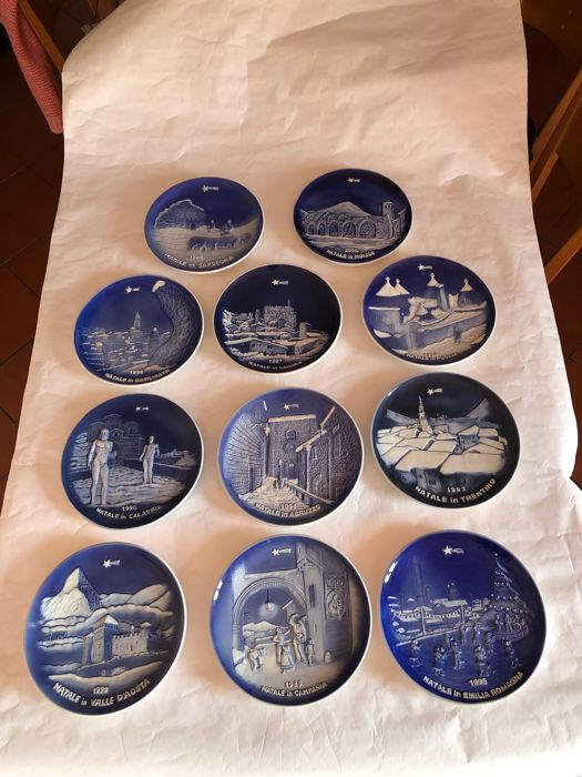 Vinotti - Eleven Plates, Ceramic Art Collectibles, Bas-relief Plates of the Regions of Italy