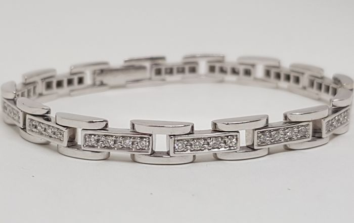 Diamond Tennis Bracelet 2,24ct. Length: 17,5cm.