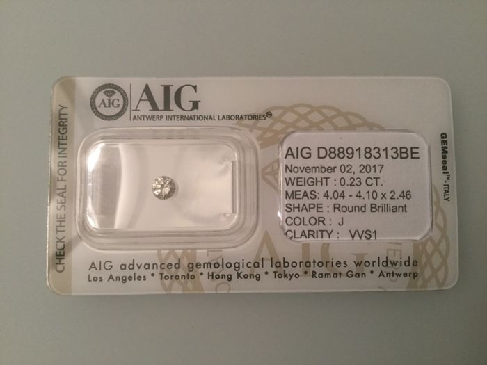Brilliant-cut diamond - J / VVS1 - 0,23 ct. - very low reserve price