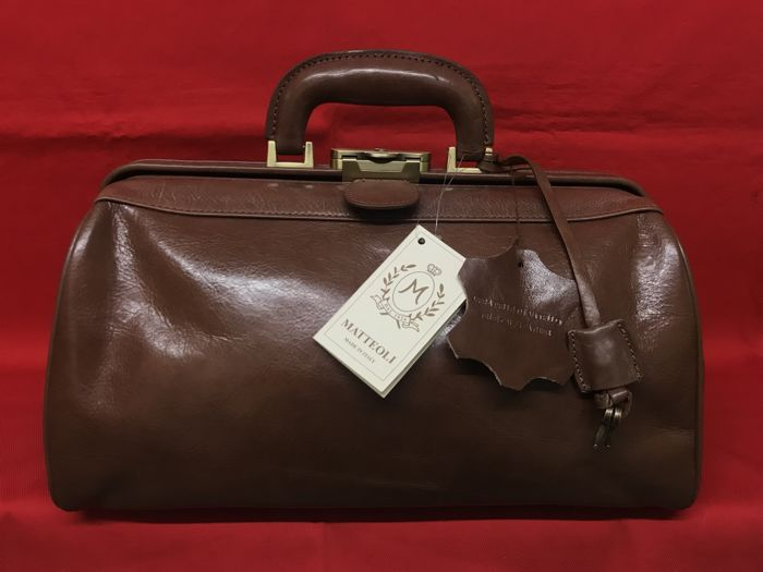 Matteoli master leather workers - gorgeous full leather doctor's bag with pocket - 2017 - Italy