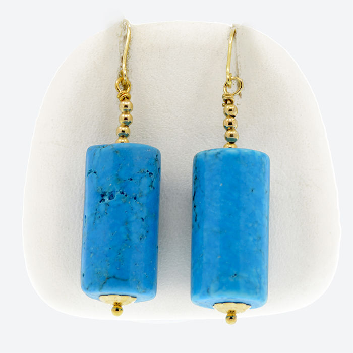 18k/750 yellow gold earrings with Arizona turquoises - Length: 42 mm.
