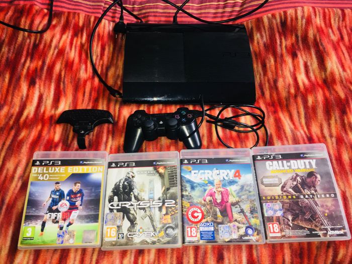 Playstation 3 - 500GB - with 4 games